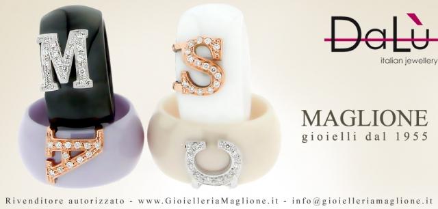 Anello Dalù in ceramica bianca personalizzabile con iniziale del nome in oro 18kt e diamanti