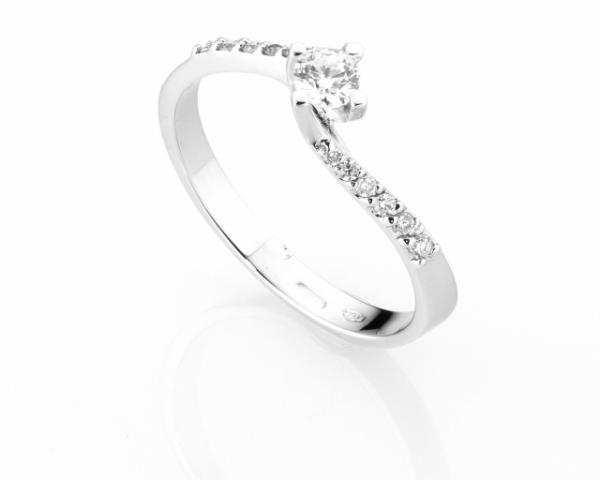 Anello Solitario Diamonds Luxury con Diamante da 0.18ct in oro bianco 18kt