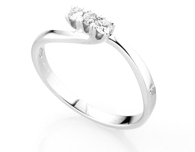 Anello Trilogy Diamonds Luxury con 3 Diamanti 0.15ct in oro bianco 18kt