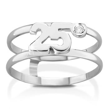 Anello VERA in oro bianco 18kt e numero 25 con diamante naturale