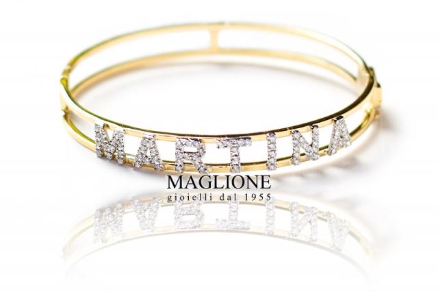 Bracciale a Manetta rigida personalizzabile con nome in oro bianco o giallo e diamanti