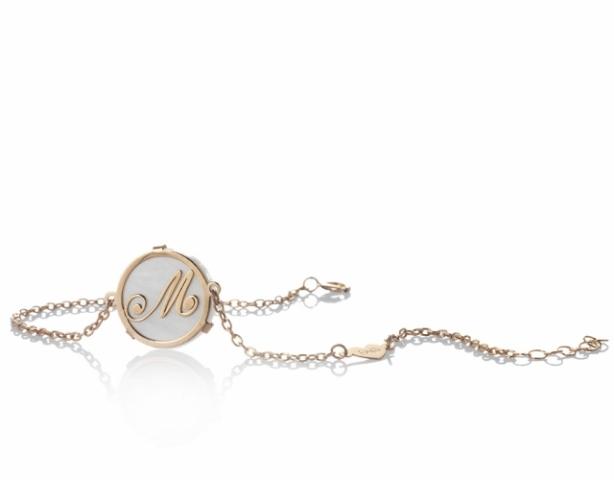 Bracciale con ciondolo Dalù personalizzabile con iniziale del nome in oro giallo o rosa 18kt e madreperla