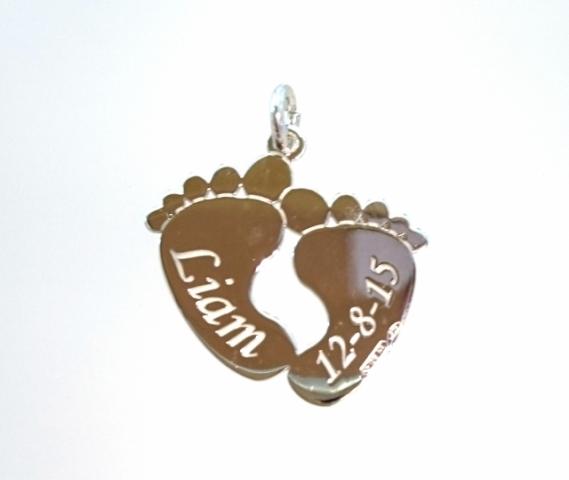 Catenina con ciondolo Piedini My Charm in argento bianco personalizzabile con nome e data