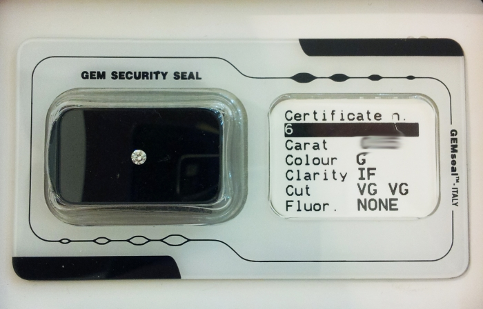 Diamante naturale in blister certificato da 0.32ct G color e purezza IF