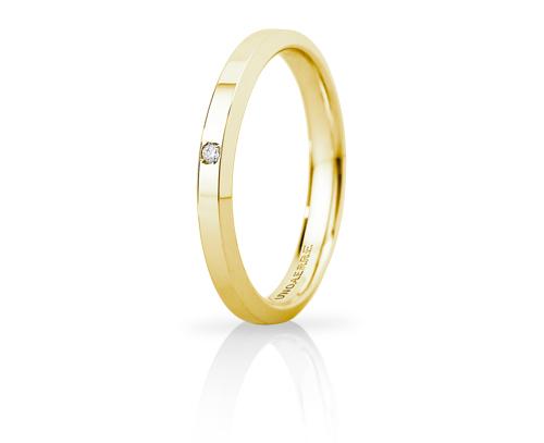 Fede Nuziale Unoaerre modello Hydra Slim in oro giallo 18kt con diamante
