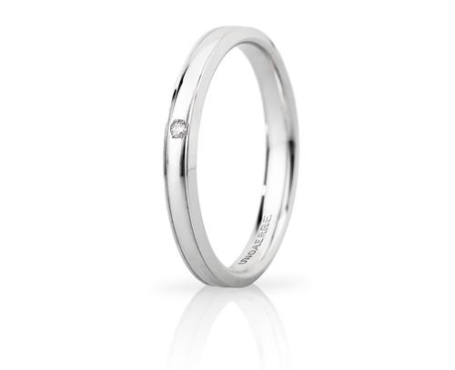 Fede Nuziale Unoaerre modello Orion Slim in oro bianco 18kt con diamante