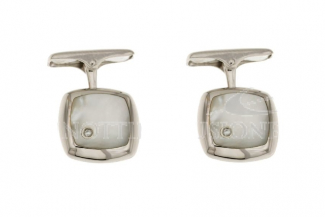18K White Gold Cufflinks with nacre and diamonds